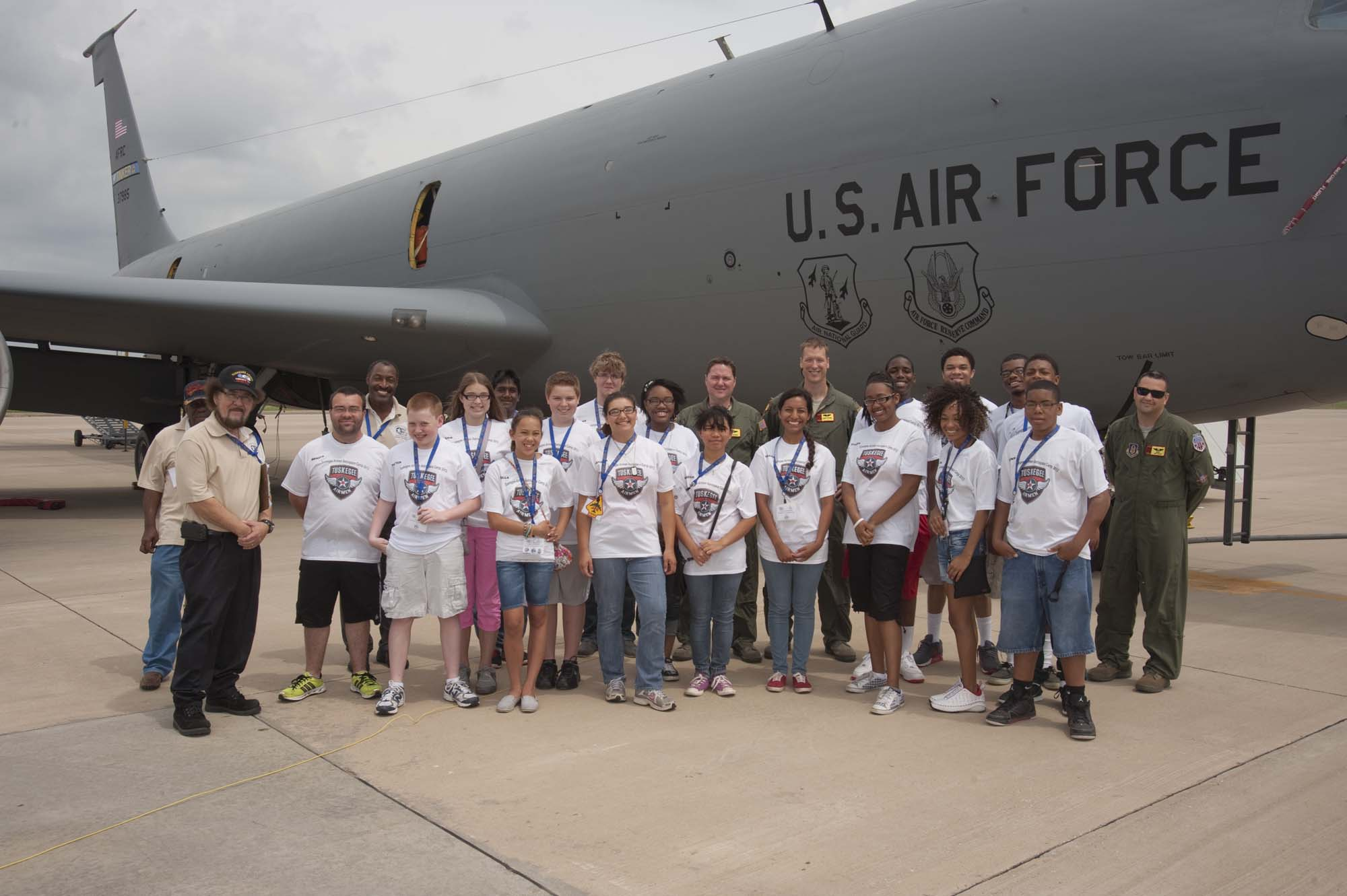 2013_06_19 – Tuskegee Airmen Camp – KC-135 Tour-3000